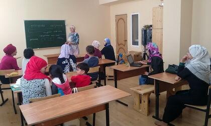 Женский клуб при мечети Малоярославца